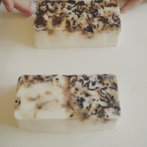 Eh voilá! Self-made, organic soap from recycled oil | (c) Clara del Rey